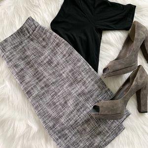 Black and White Banana Republic Skirt